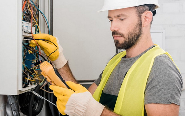 apprentice electrician tools